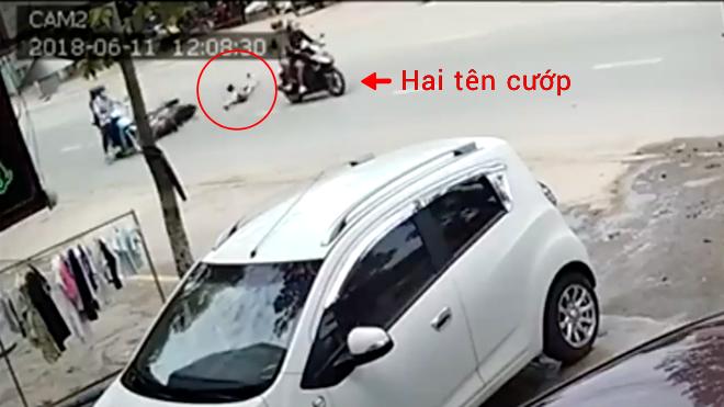 Đồng Nai: Bị cướp giật túi xách khi đang chạy xe, cô gái ngã văng một đoạn dài trên đường - Ảnh 2.