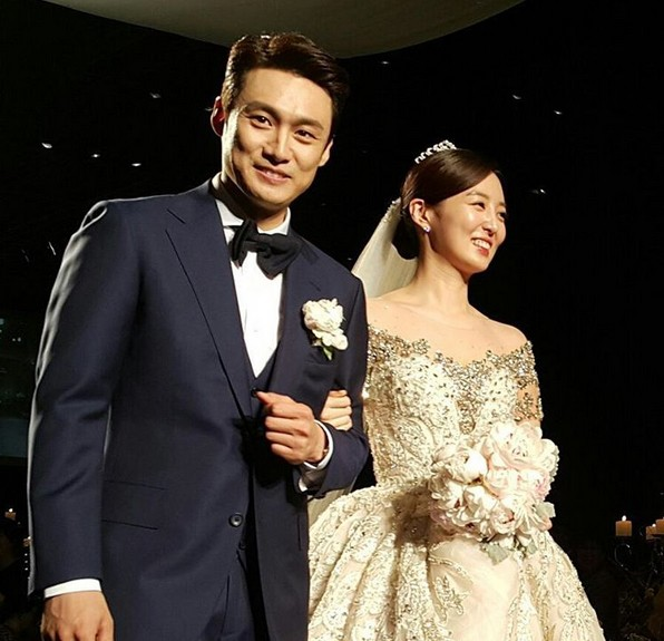 Top đám cưới có dàn khách mời khủng nhất xứ Hàn: Song Song lép vế trước Jang Dong Gun, Lee Byung Hun mời sao Hollywood - Ảnh 34.