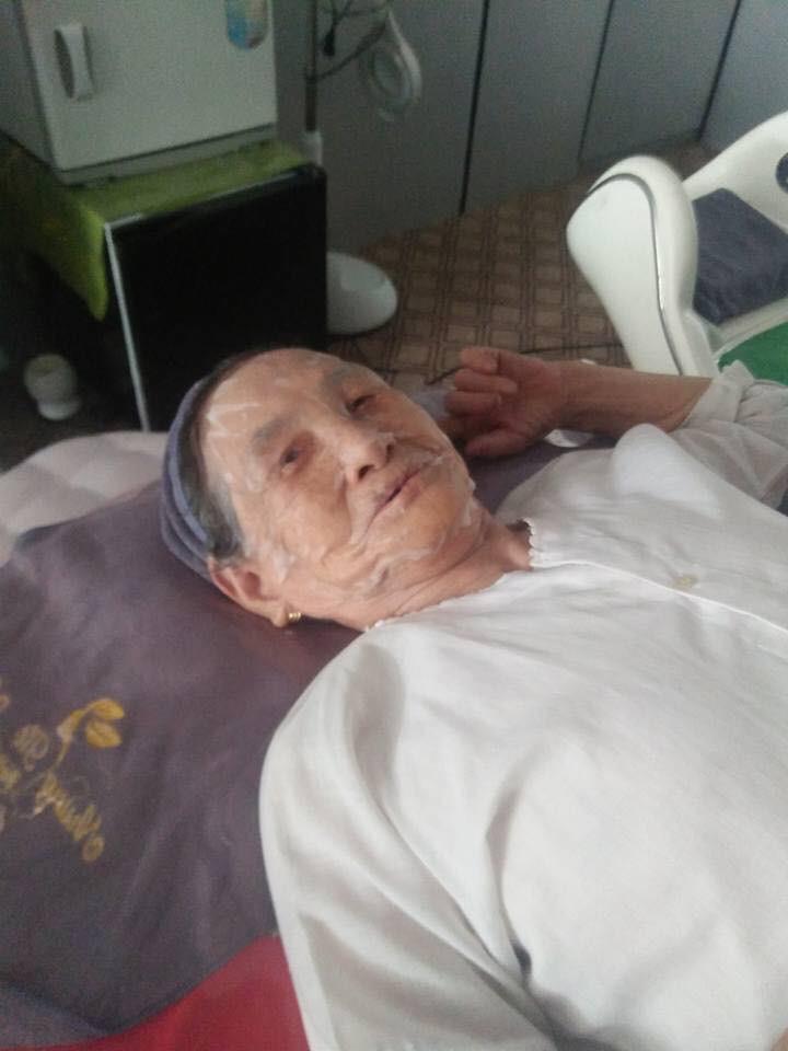 90 tuổi vẫn rủ nhau đi spa làm đẹp, hai cụ bà khiến cư dân mạng xuýt xoa ngưỡng mộ - Ảnh 3.