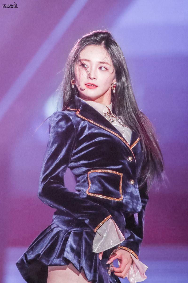 Chùm ảnh: Những công chúa, hoàng tử ngoại quốc của Kpop đẹp rực rỡ trên sân khấu (P.1) - Ảnh 48.