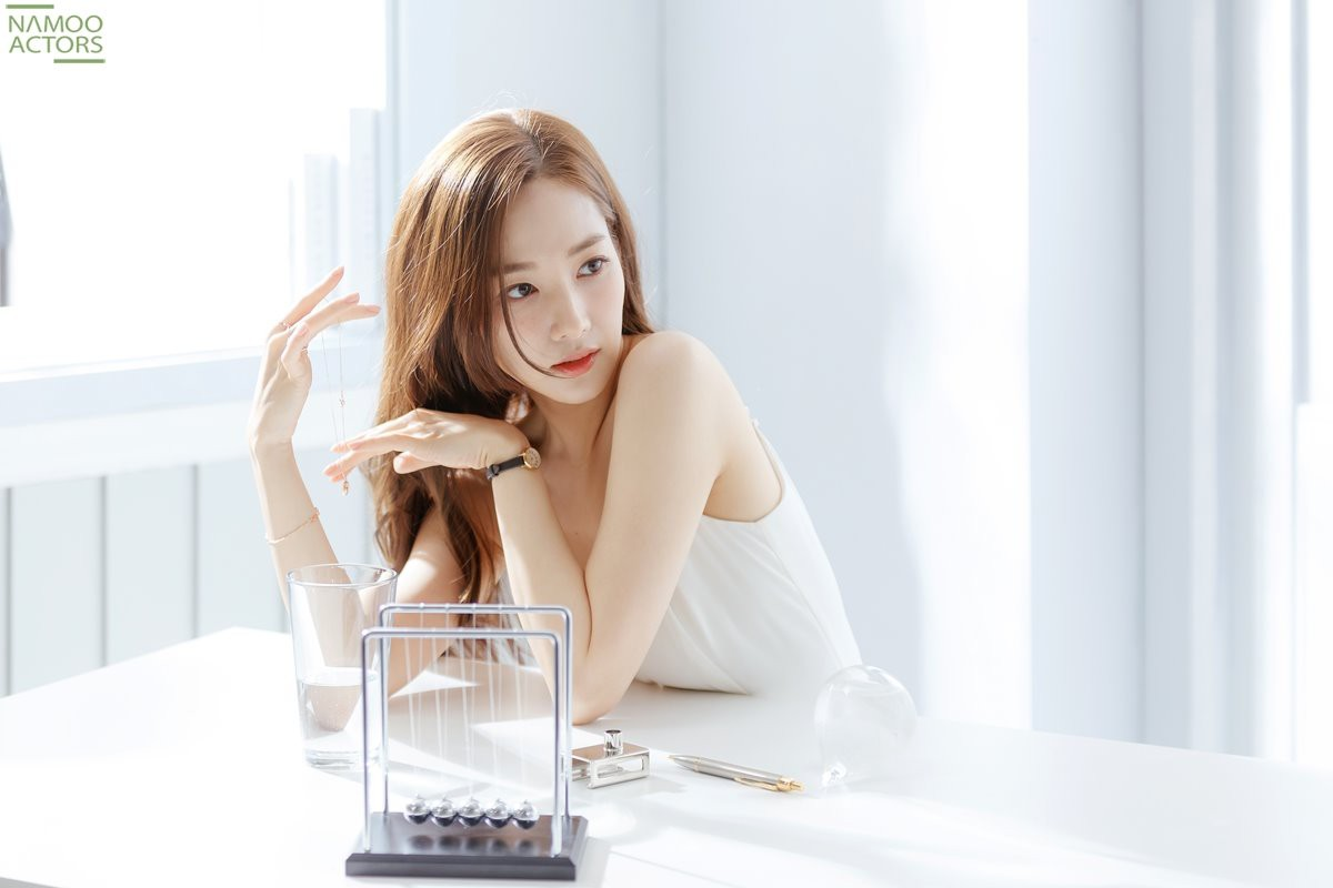 Ảnh hậu trường đẹp khó tin của đệ nhất dao kéo Park Min Young: Đẳng cấp còn hơn cả thiên thần tỉ tỉ - Ảnh 1.