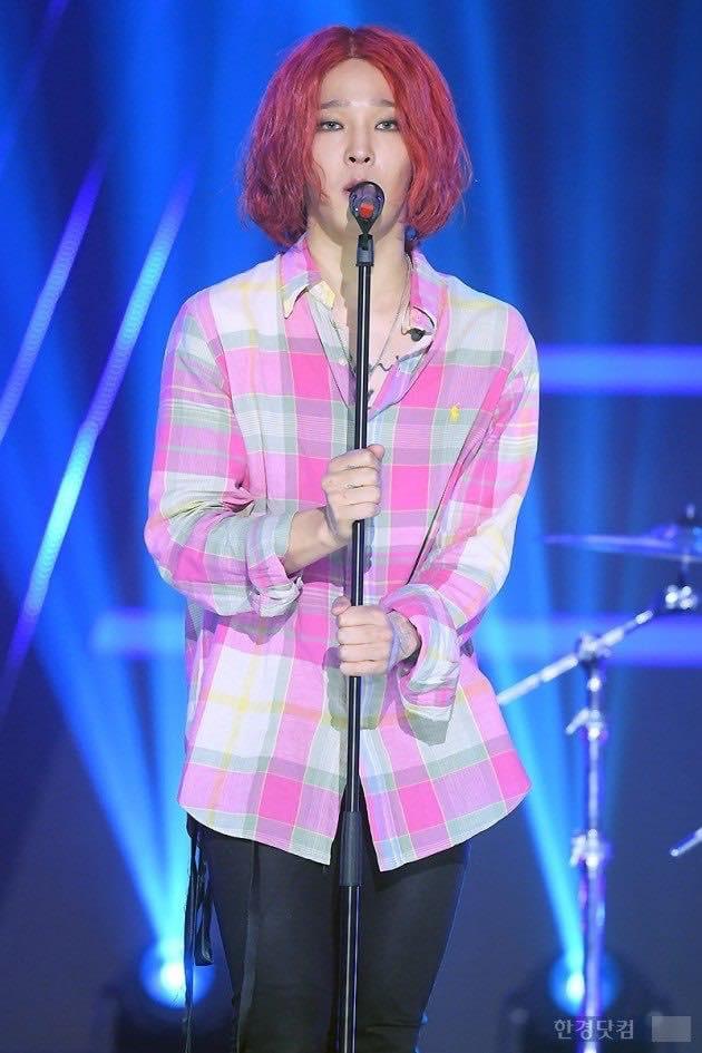 Đổi gió với tóc hồng, Nam Tae Hyun khiến cộng đồng netizen Việt - Hàn la oai oái - Ảnh 2.