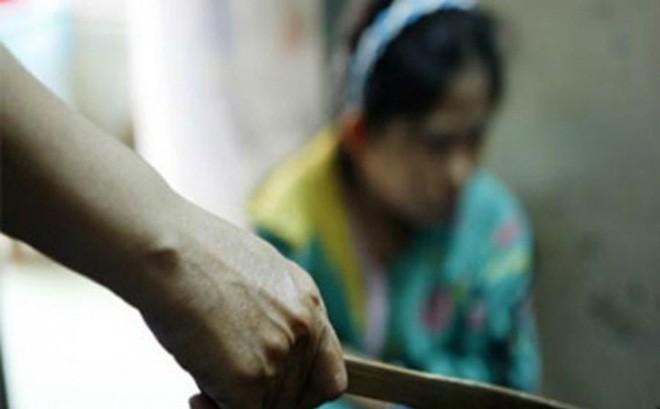 Cãi vã, người đàn ông chém vợ và con dâu nhập viện ở Hưng Yên - Ảnh 1.