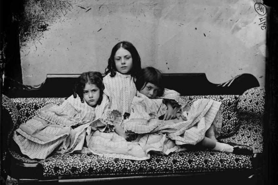 Alice ở xứ sở thần tiên: Câu chuyện trẻ em nhuốm màu đen tối và cuộc đời Alice ngoài đời thật khiến nhiều người ngỡ ngàng - Ảnh 3.