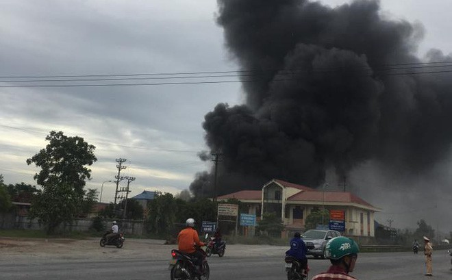 Cháy lớn tại nhà xưởng ở Hải Phòng khiến người dân hoảng loạn