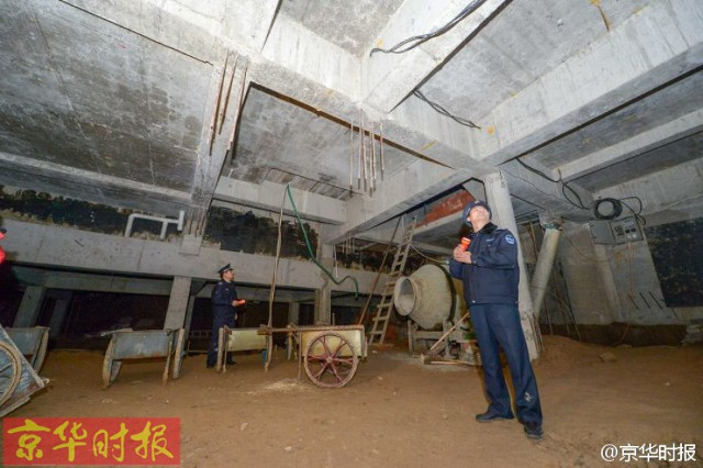 Trung Quốc: Xây hồ bơi trái phép trên nóc chung cư để tập luyện giữ dáng - Ảnh 5.