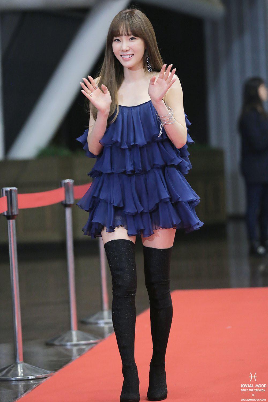 Nghịch lí của Taeyeon: thường ngày mặc đơn giản thì xinh nhưng cứ lồng lộn đi sự kiện lại thành sến - Ảnh 8.