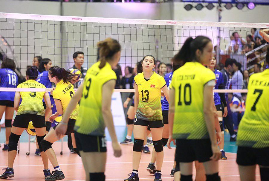 Hoa khôi bóng chuyền 16 tuổi Đặng Thu Huyền hâm mộ Bùi Tiến Dũng - Ảnh 7.