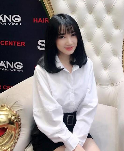 Nhã Phương đổi kiểu tóc giống Song Hye Kyo cho Hậu Duệ Mặt Trời? - Ảnh 1.