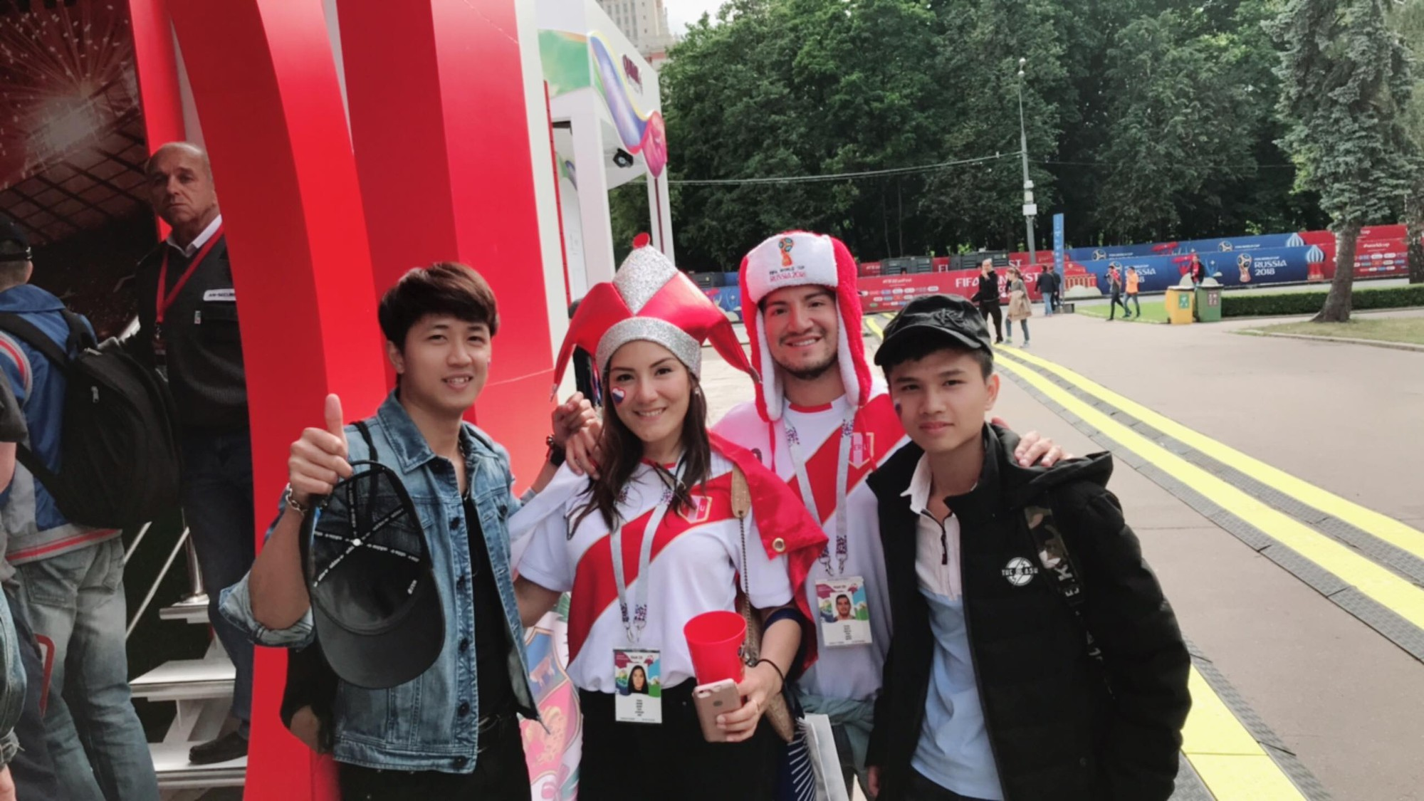 Du học sinh Việt tại Nga đang khiến bạn bè ở quê nhà ghen tỵ vì được đến tận nơi xem World Cup 2018 - ảnh 3