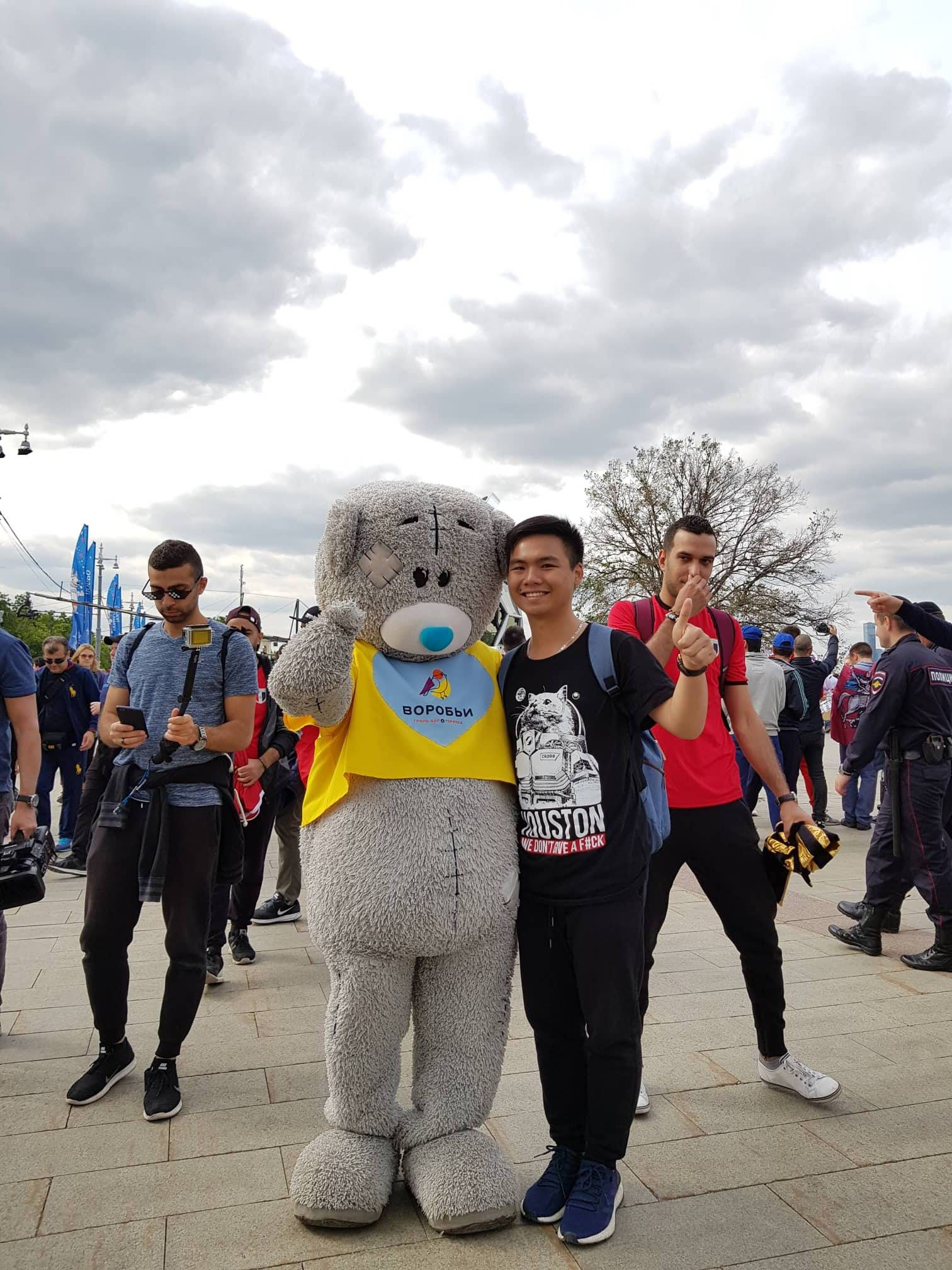 Dẫn trước 2:0, du học sinh Việt cùng người dân Nga hát vang bài ca chiến thắng ở thủ đô Moscow - Ảnh 8.