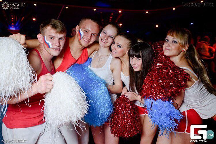 MXH Nga ngập tràn những cô nàng khoe dáng nóng bỏng chào mừng World Cup 2018 - Ảnh 11.