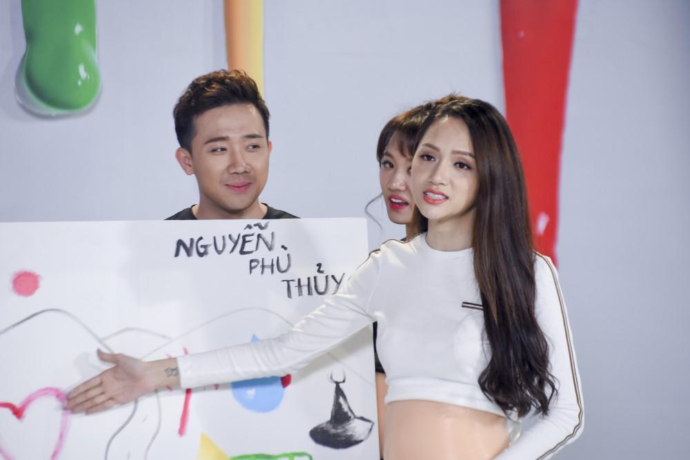 Trấn Thành - Hari Won: Mặc dù vợ chồng chúng em ngu nhưng không phải vô dụng - Ảnh 4.