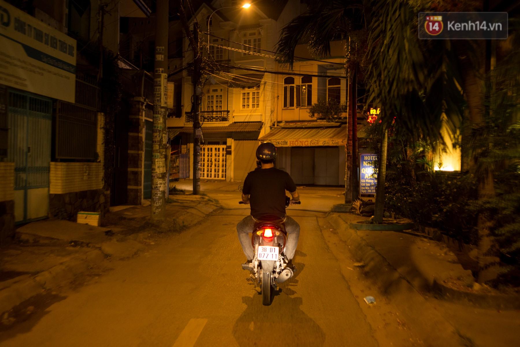 Dịch vụ giao thức ăn đêm ở Sài Gòn tăng cường hoạt động đến gần 3h sáng trong mùa World Cup - Ảnh 12.