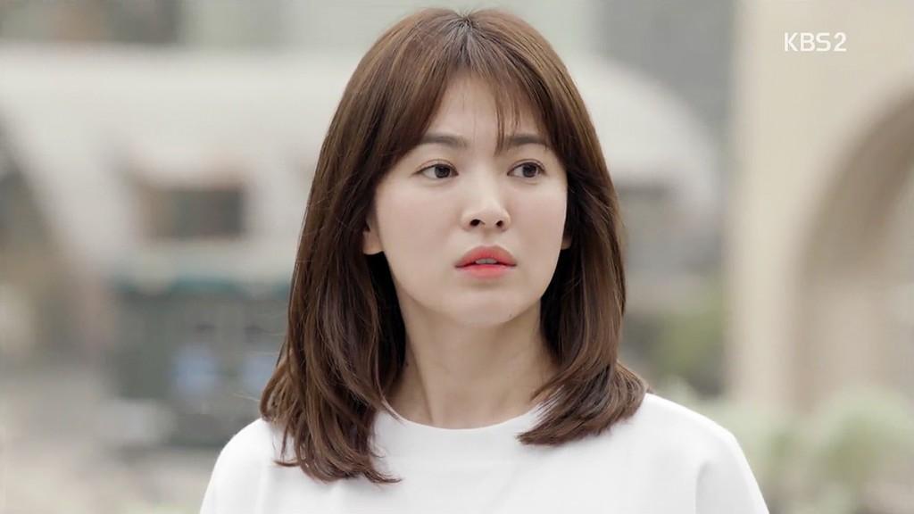 Nhã Phương đổi kiểu tóc giống Song Hye Kyo cho Hậu Duệ Mặt Trời? - Ảnh 3.
