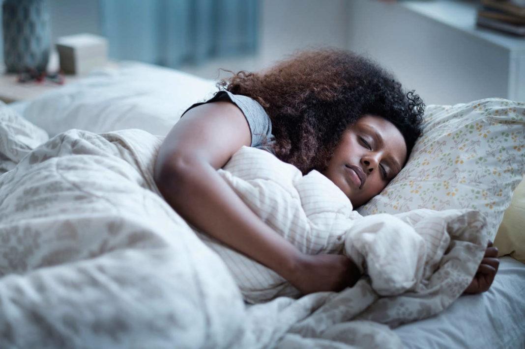 Ngủ cũng có thể giúp giảm cân nếu bạn có những thói quen này - Ảnh 3.