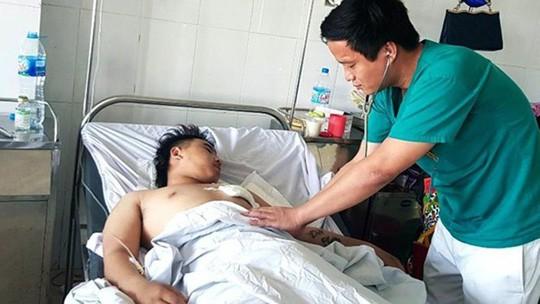 Đi chơi đêm ở Cửa Lò, nam thanh niên 18 tuổi bị đâm thấu tim - Ảnh 1.