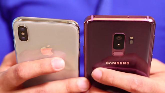 Bất ngờ chưa, iPhone X đã bị bộ đôi Galaxy S9/S9+ tước ngôi vị smartphone bán chạy nhất thế giới - Ảnh 1.