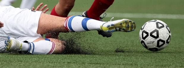 """Bất chấp tranh cãi, chung kết World Cup 2018 sẽ sử dụng sân cỏ """"lai"""" lần đầu tiên và đây là lí do 3"""