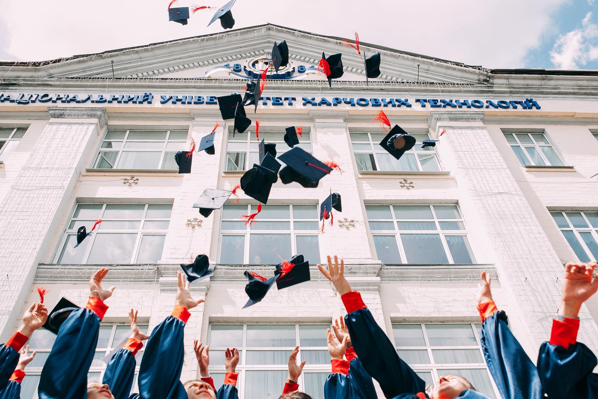 Trước khi tốt nghiệp đại học, nếu không nhận ra những điều này thì bạn sẽ mãi chênh vênh trước ngưỡng cửa cuộc đời - Ảnh 4.