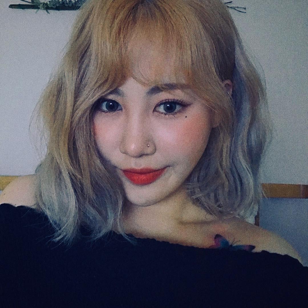 Sau thảm họa thẩm mỹ Kpop Namjoo, thêm một sao nữ nhà JYP gây sốc vì dao kéo đến mức khó lòng nhận ra - Ảnh 2.