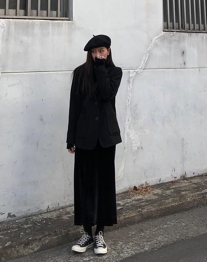 90% tủ đồ là màu đen với toàn món basic mà cô nàng Hàn Quốc này diện đồ đẹp phát mê - Ảnh 8.