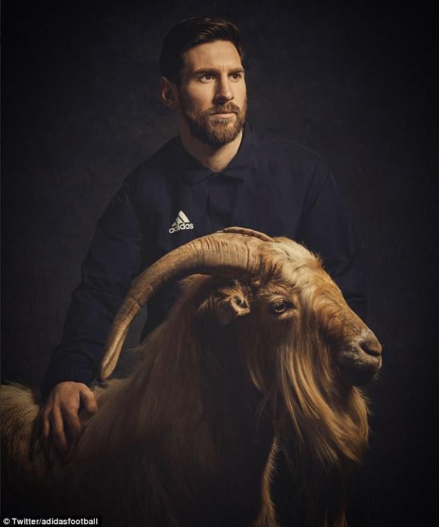 Ngộ nghĩnh khoảnh khắc Ronaldo vuốt râu ăn mừng: Đây là chiến thư CR7 gửi tới Messi? - Ảnh 6.
