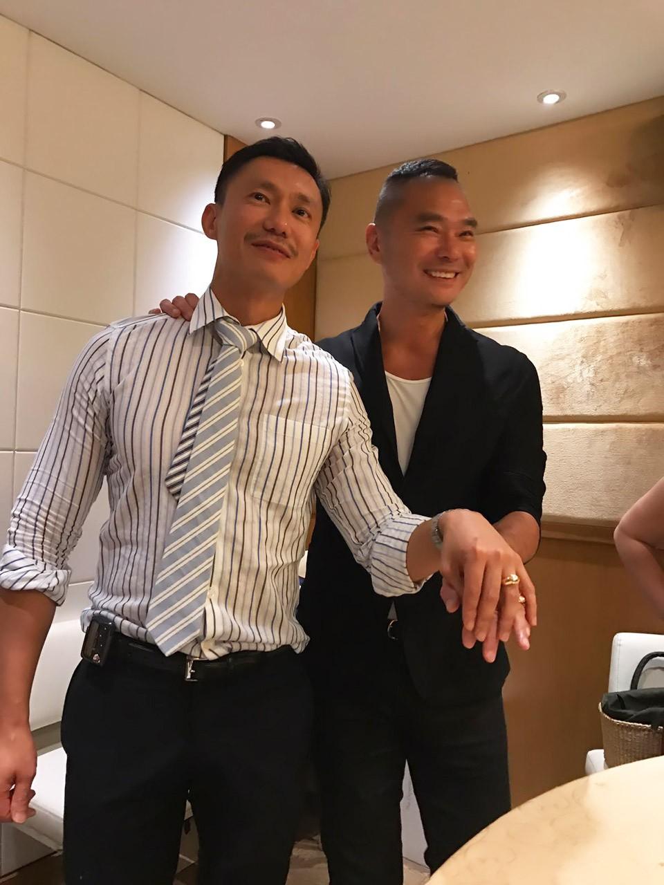 Sẵn sàng từ bỏ gia sản hàng chục triệu đô, MC Hồng Kông cùng bạn đời đồng tính xây dựng cuộc sống mới đẹp như phim - Ảnh 4.