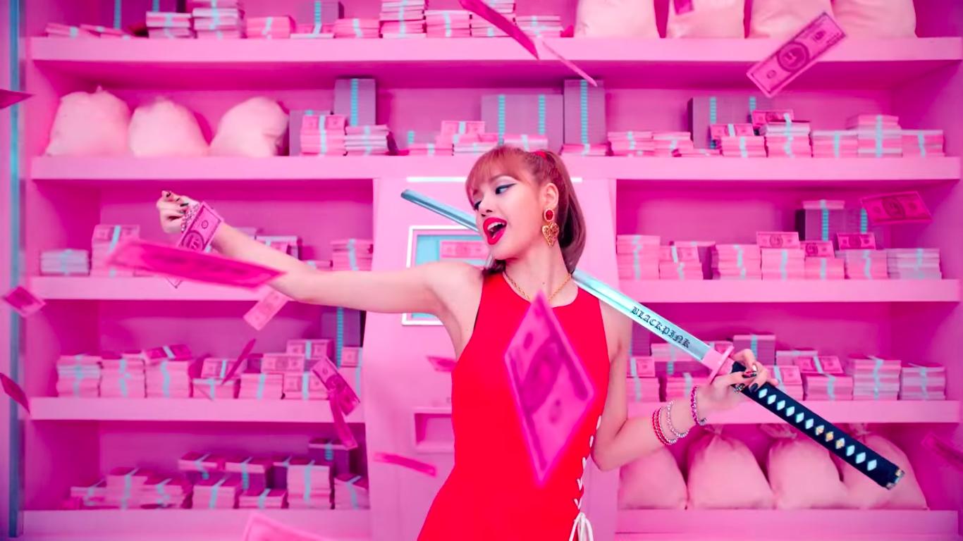 Nguy hiểm không kém Taylor Swift, Black Pink cũng để lại 17 thông điệp ẩn đầy tính khiêu chiến trong MV mới - Ảnh 24.