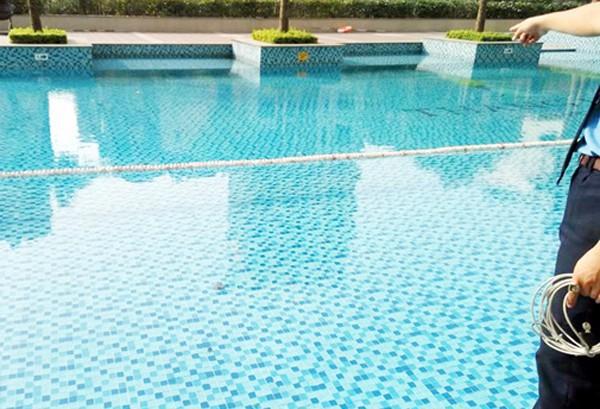 Bé trai 13 tuổi từ Bình Định ra Hà Nội dự đám cưới tử vong bất thường tại bể bơi 1
