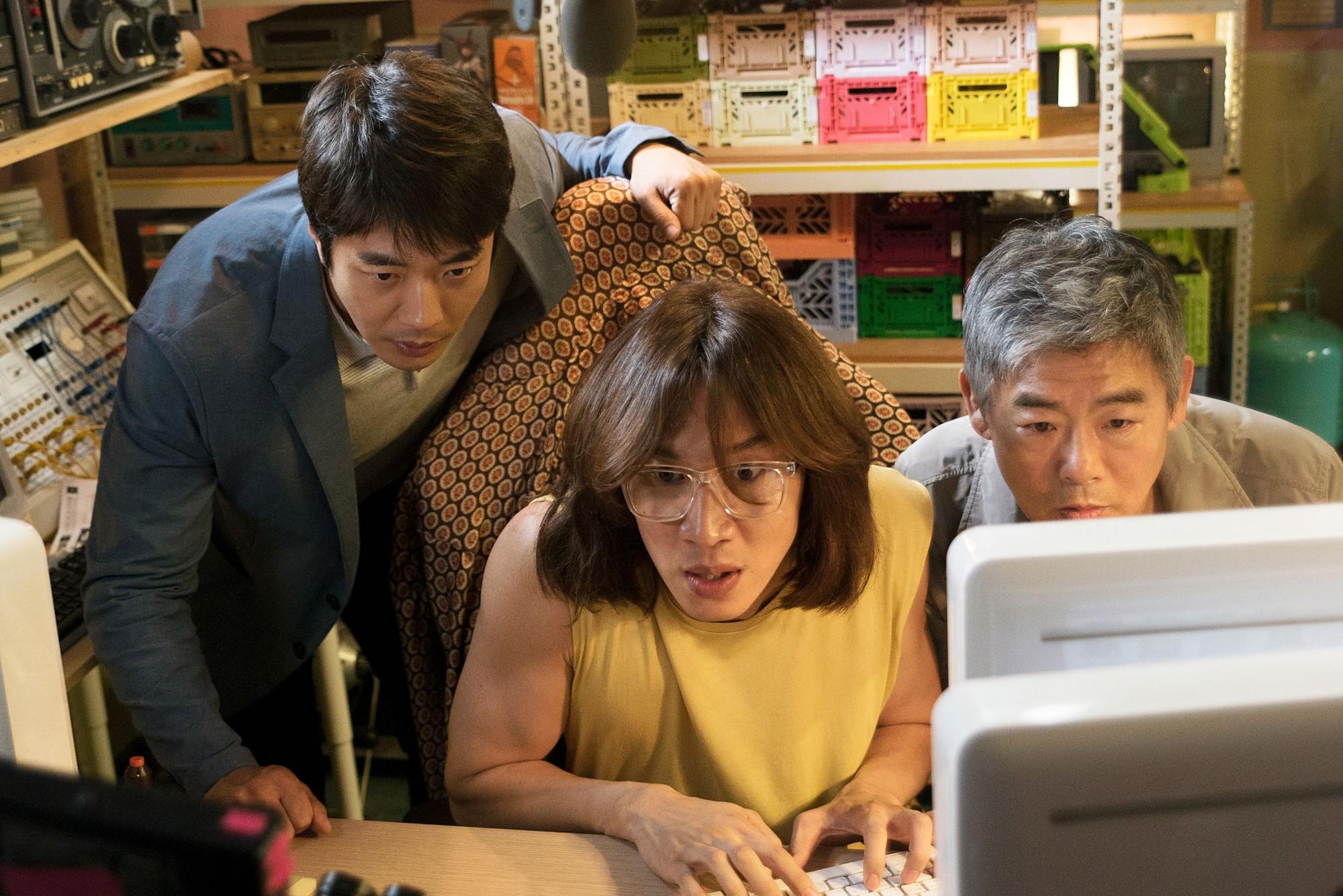 Thám Tử Gà Mơ của Lee Kwang Soo đánh bại Jurassic World - Ảnh 3.