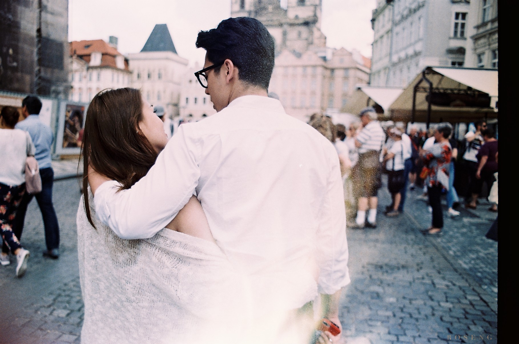 Ảnh phim tình bể bình của Ngọc Thảo và bạn trai ở châu Âu - Ảnh 9.