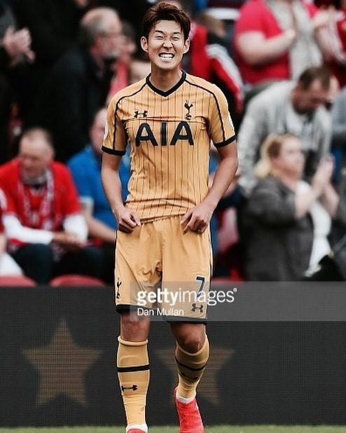 Son Heung-min: Chàng cầu thủ Hàn Quốc siêu dễ thương với đôi mắt một mí cùng nụ cười tươi như nắng chiều - Ảnh 13.