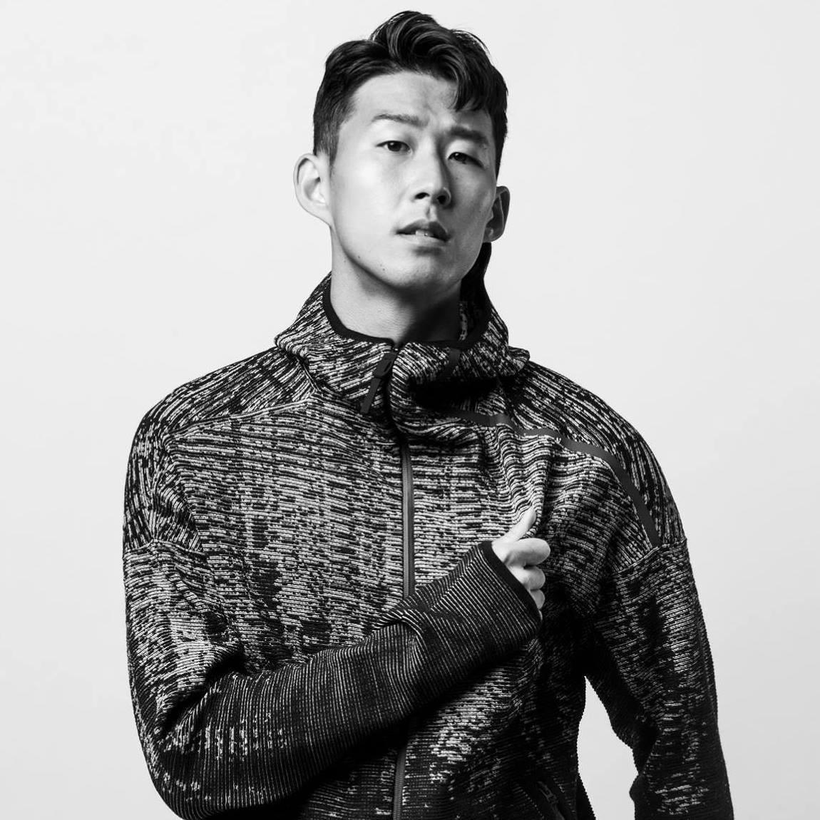 Cầu thủ Hàn Quốc Son Heung-min siêu dễ thương với đôi mắt một mí - Ảnh 2.