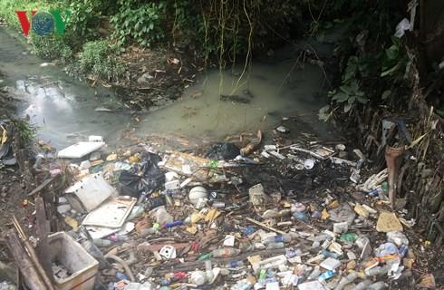 Sân bay Tân Sơn Nhất vẫn đứng trước nguy cơ ngập nước  - Ảnh 2.