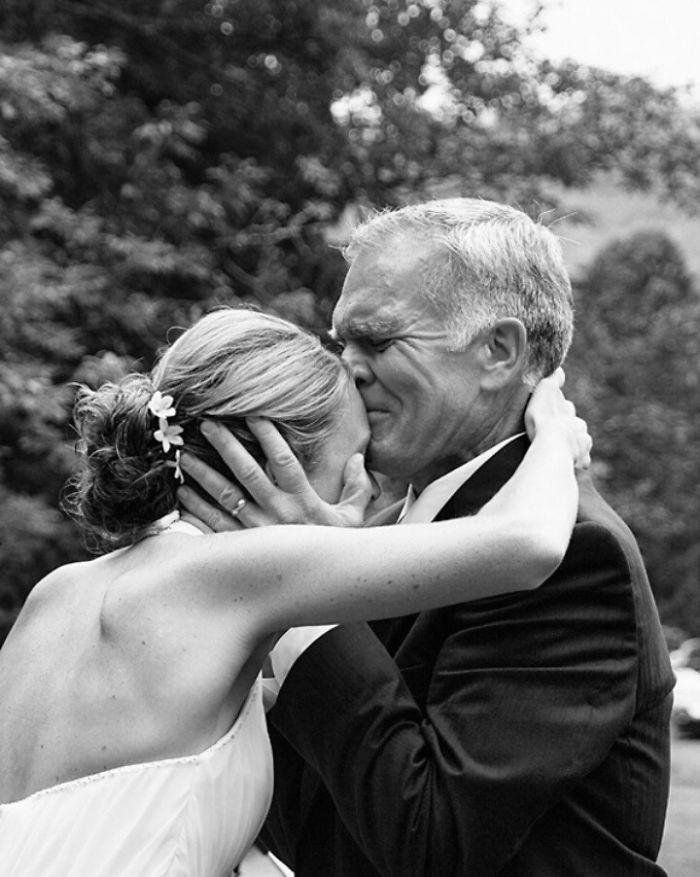 Những hình ảnh xúc động chứng minh rằng, người đàn ông hạnh phúc nhất trong ngày cưới chính là bố của cô dâu 8