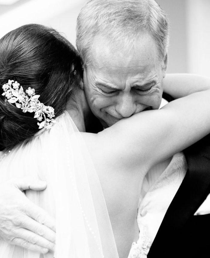 Những hình ảnh xúc động chứng minh rằng, người đàn ông hạnh phúc nhất trong ngày cưới chính là bố của cô dâu 11