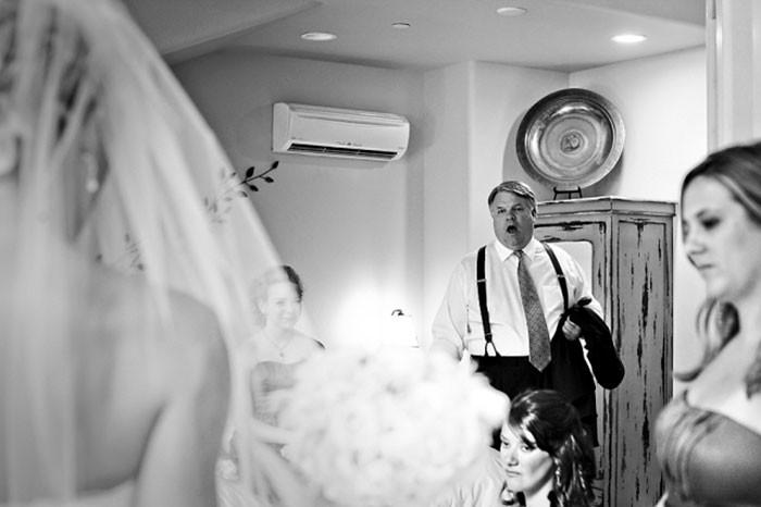Những hình ảnh xúc động chứng minh rằng, người đàn ông hạnh phúc nhất trong ngày cưới chính là bố của cô dâu 20