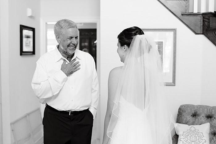 Những hình ảnh xúc động chứng minh rằng, người đàn ông hạnh phúc nhất trong ngày cưới chính là bố của cô dâu 21