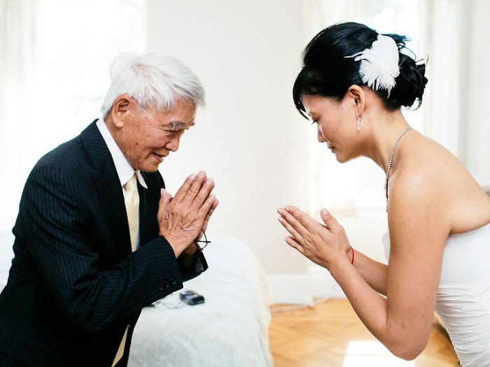 Những hình ảnh xúc động chứng minh rằng, người đàn ông hạnh phúc nhất trong ngày cưới chính là bố của cô dâu 23