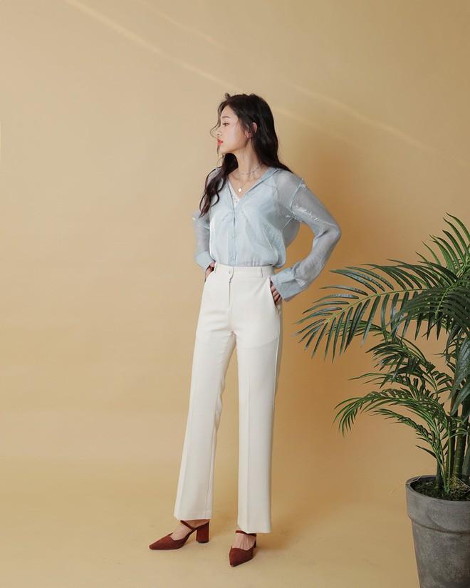 Loạt kiểu quần trắng dễ mặc, dễ đẹp mà các nàng cần sắm cho bằng được trong hè này - Ảnh 2.