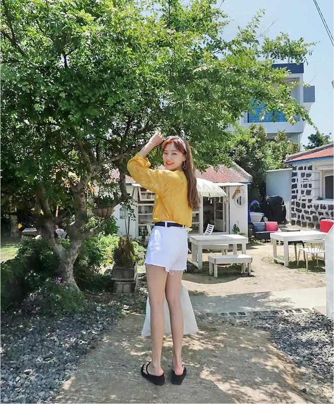 Loạt kiểu quần trắng dễ mặc, dễ đẹp mà các nàng cần sắm cho bằng được trong hè này - Ảnh 12.