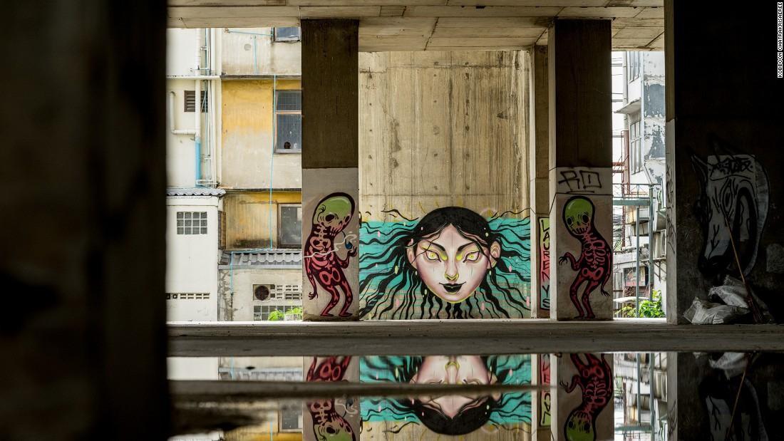 Sathorn Unique: Tòa nhà hoang kỳ bí đứng giữa Bangkok suốt 20 năm, một thời từng là niềm tự hào của cả đất nước - Ảnh 8.