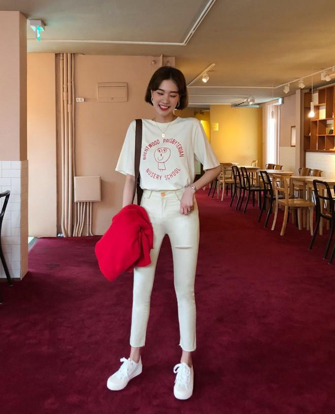 Loạt kiểu quần trắng dễ mặc, dễ đẹp mà các nàng cần sắm cho bằng được trong hè này - Ảnh 8.