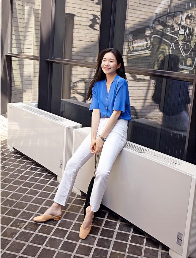 Loạt kiểu quần trắng dễ mặc, dễ đẹp mà các nàng cần sắm cho bằng được trong hè này - Ảnh 10.