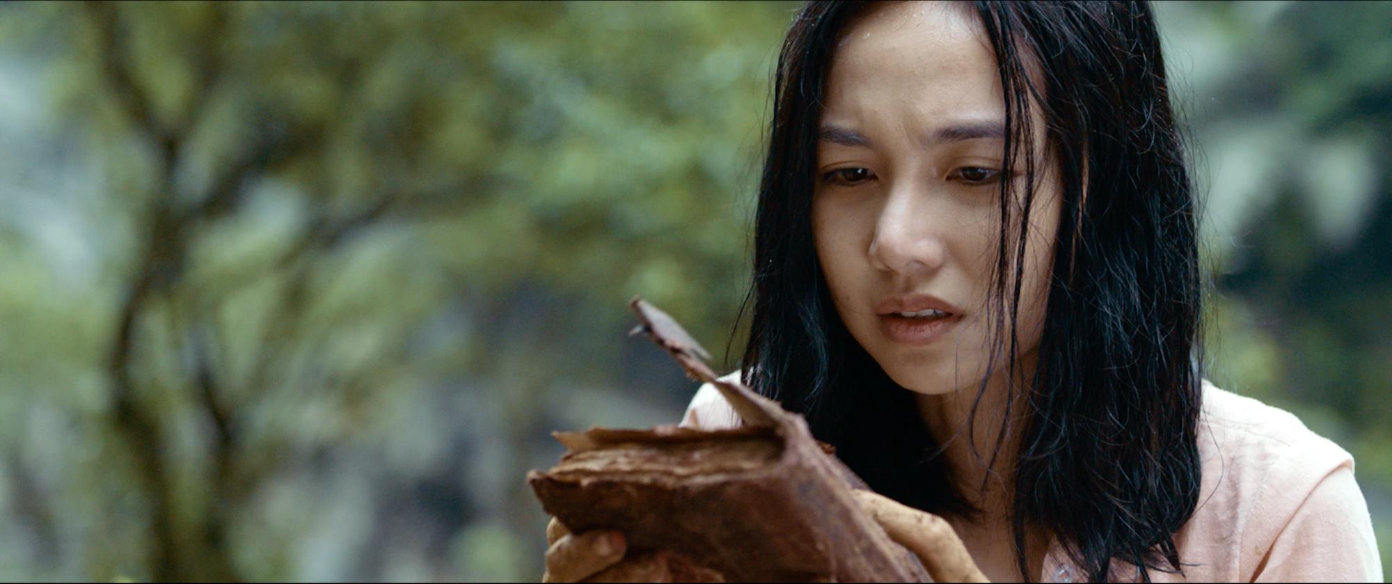 Ả đào Jun Vũ hứa hẹn lột xác bằng cảnh nóng với Quách Ngọc Ngoan trong Người Bất Tử - Ảnh 2.