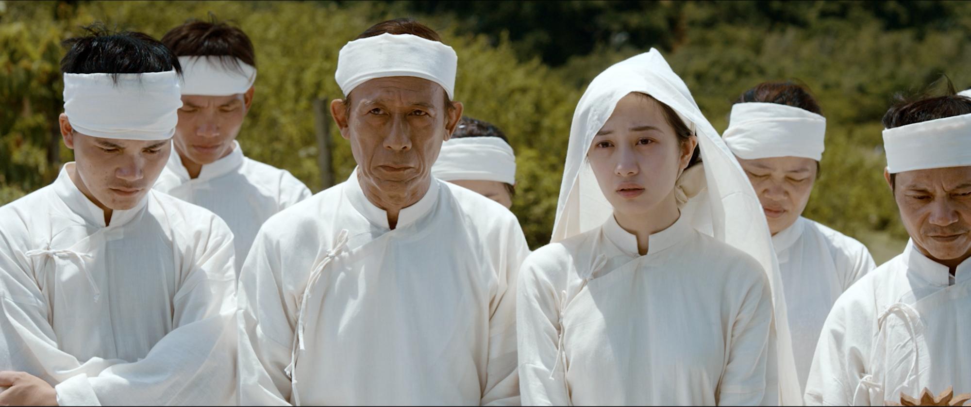 Ả đào Jun Vũ hứa hẹn lột xác bằng cảnh nóng với Quách Ngọc Ngoan trong Người Bất Tử - Ảnh 7.