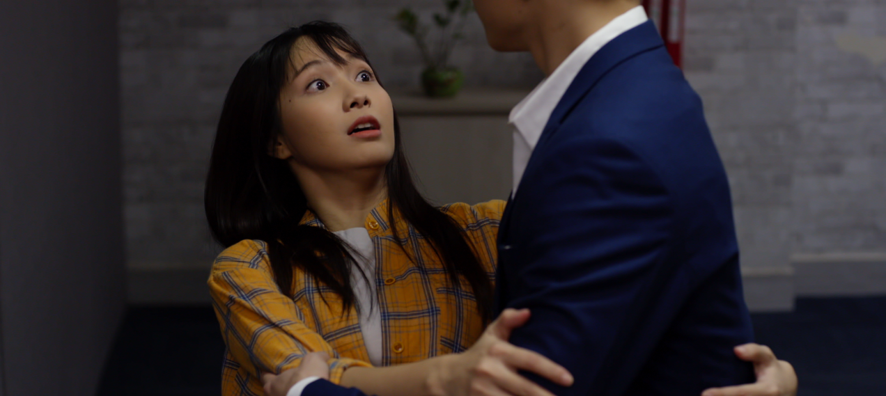 Vừa đám cưới xong, cô dâu Jang Mi đã thẳng chân đạp chú rể S.T xuống giường trong đêm tân hôn - Ảnh 3.