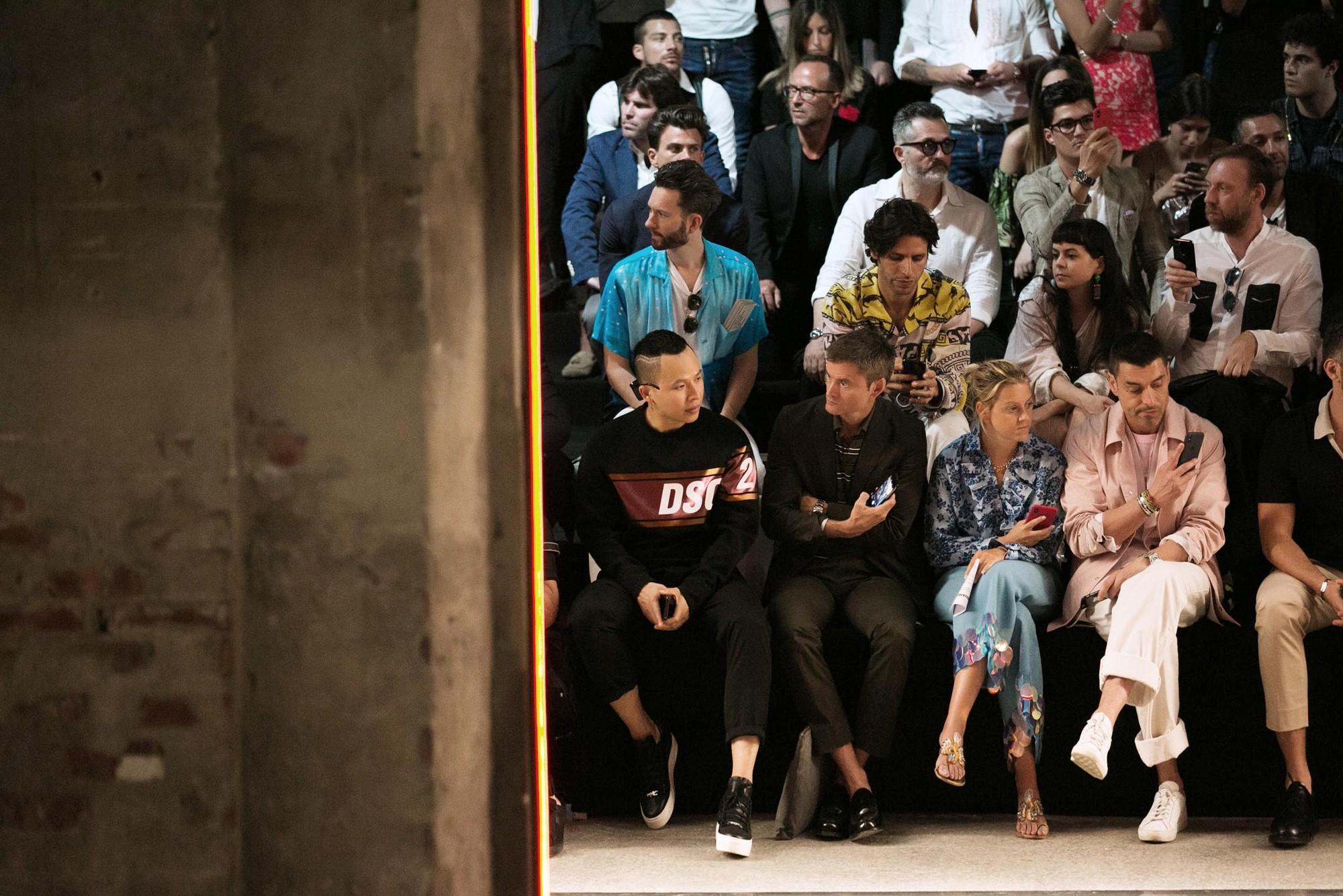 Võ Cảnh được mời dự show, Vũ Khắc Tiệp ngồi hàng ghế đầu trong show Dsquared2 tại Tuần lễ thời trang nam Milan 2018 - Ảnh 7.