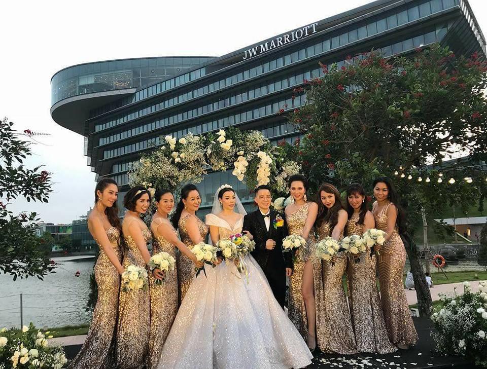 9X chuyển giới Tú Lơ Khơ kết hôn với bạn gái doanh nhân ở không gian tiệc cưới sang trọng bậc nhất Hà Nội - Ảnh 6.